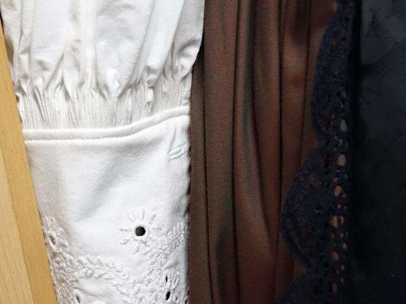 2018.03.03_11.10.45 Obleka z brokatnim životcem